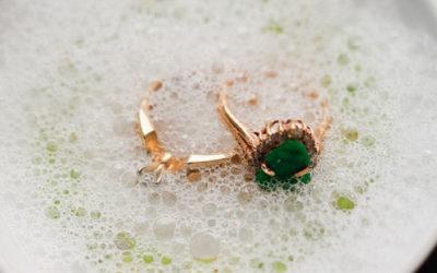 Entretenir vos bijoux pour bien les vendre